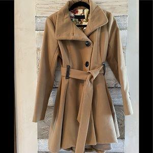 Adorable Steve Madden coat